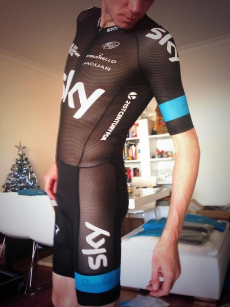 Chris-Froome-Mesh-Skinsuit-twiter-450x600